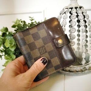 Louis Vuitton Damier Compact Zippy Wallet